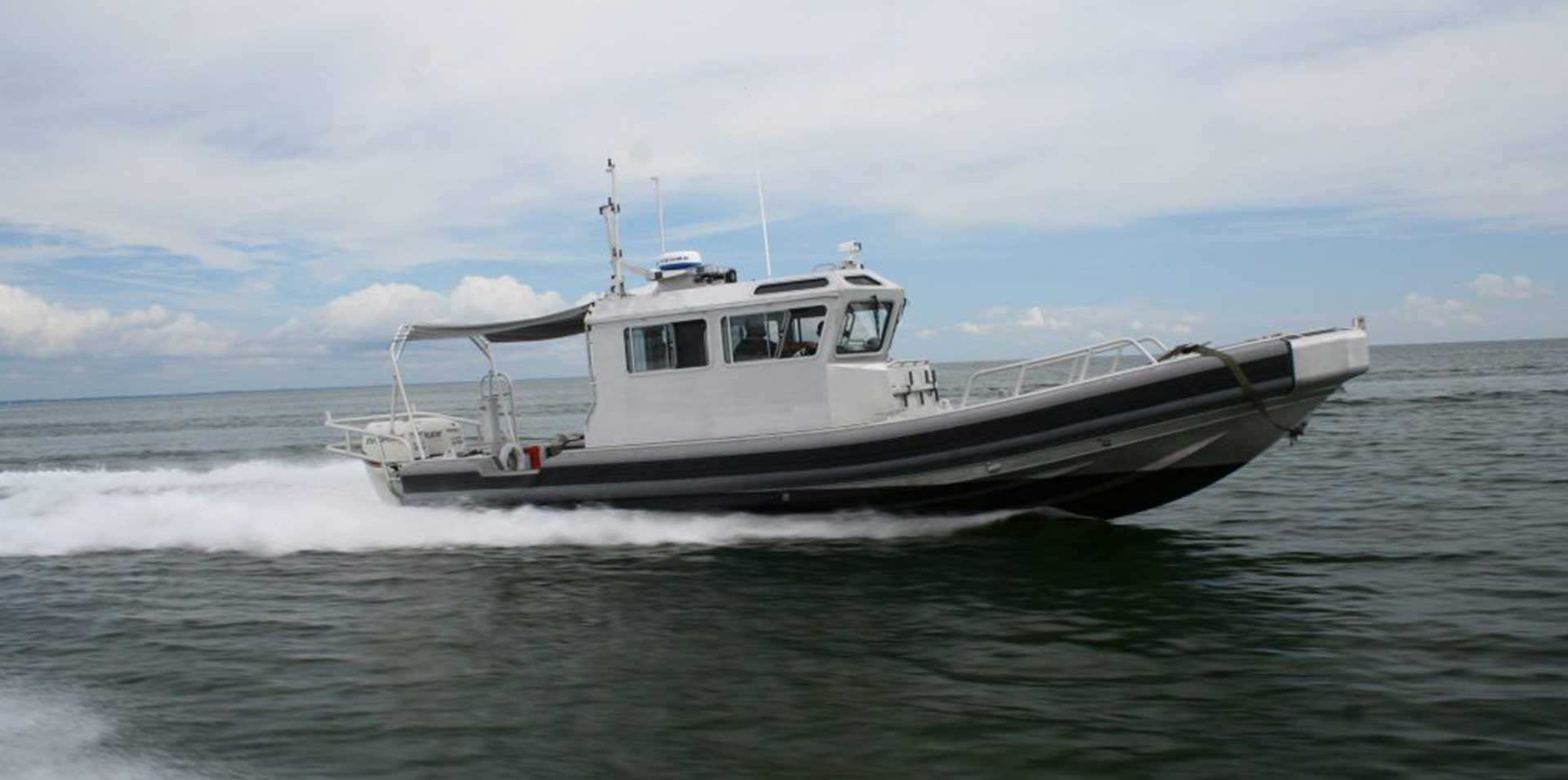 Silver Ships Ambar Series AM 1100 RHIB in action