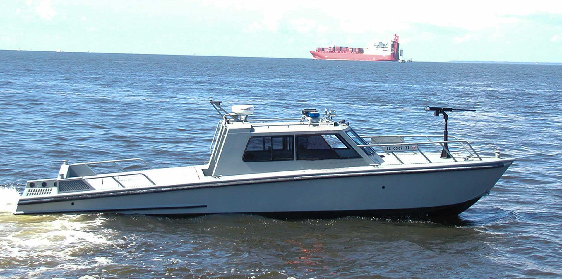 Silver Ships Endeavor Series patrol vessel with weapon mount
